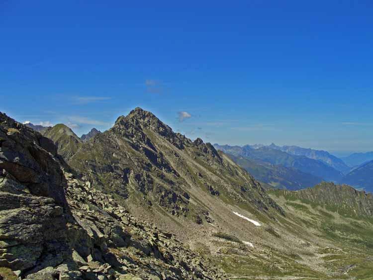 Foto: tomy37 / Wander Tour / Bielerspitze - Aussichtskanzel über dem Silvretta Stausee (2545m) / Schattenkopf / 25.08.2009 23:53:20