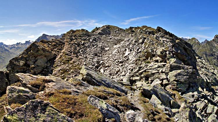 Foto: tomy37 / Wander Tour / Bielerspitze - Aussichtskanzel über dem Silvretta Stausee (2545m) / Gipfel Bielerspitze von Osten / 25.08.2009 23:40:25