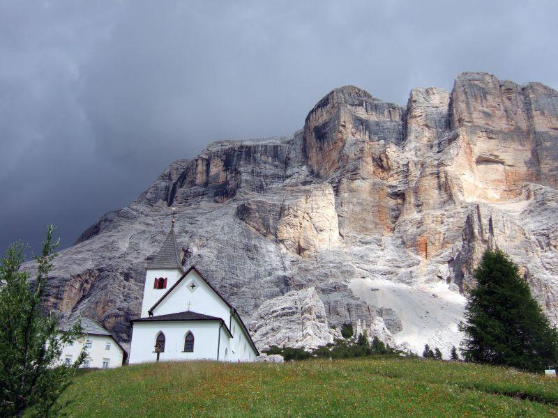 Foto: Ingo Gräber / Wander Tour / Über den Heiligkreuzkofel auf die Zehnerspitze / Heiligkreuzhospiz und Heiligkreuzkofel / 15.02.2013 17:03:48