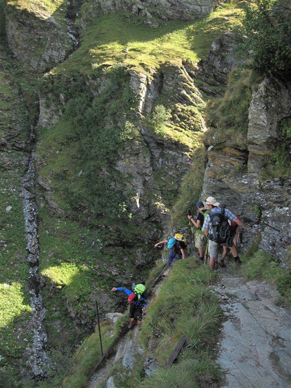 Foto: Heidi Schützinger / Wander Tour / Vom Naßfeld auf das Schareck / Die Runde wird geschlossen durch den Abstieg über den H.Bahlsen Weg ins Naßfeldtal / 23.08.2011 19:48:19