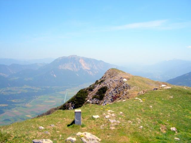 Foto: lacky / Wander Tour / Oisternig - hoch über dem Unteren Gailtal (2052m) / Am Gipfel des Oisternig auf 2052m / 27.05.2008 18:21:34