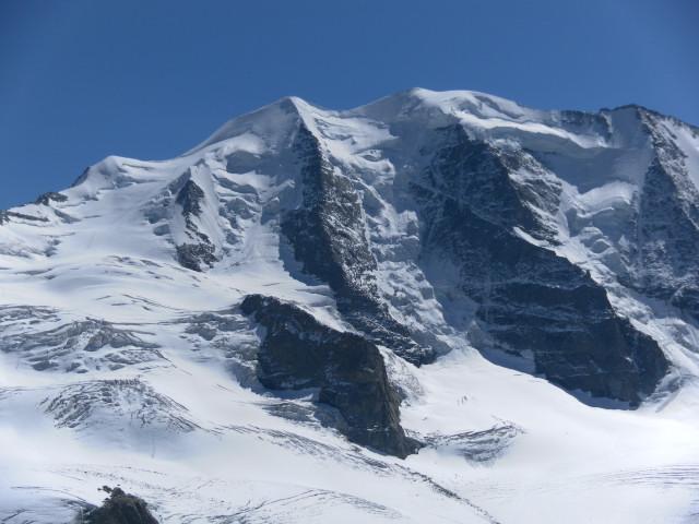 Foto: Wolfgang Lauschensky / Wander Tour / Piz Palü - Eisriese in der Berninagruppe (3905 m) / Piz Palü  und sein Anstieg über den Vadret Pers (links) von der Diavolezza gesehen / 04.11.2013 20:21:43