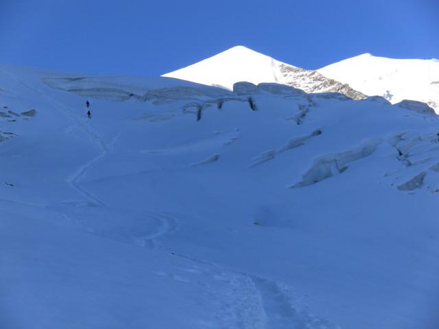 Foto: Wolfgang Lauschensky / Wander Tour / Piz Palü - Eisriese in der Berninagruppe (3905 m) / Zustieg zum Cambrena-Eisbruch / 04.11.2013 20:20:43