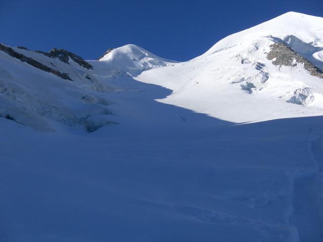 Foto: Wolfgang Lauschensky / Wander Tour / Piz Palü - Eisriese in der Berninagruppe (3905 m) / oberes Gletscherbecken / 04.11.2013 20:20:24