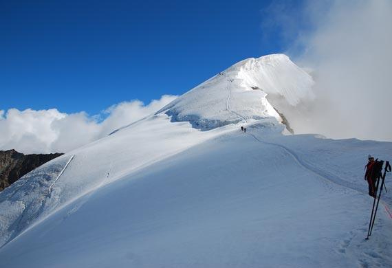 Foto: Andreas Koller / Wander Tour / Weissmies - östlichster Viertausender der Walliser Alpen (4023m) / Weissmies - Gipfelgrat / 02.01.2011 15:19:21