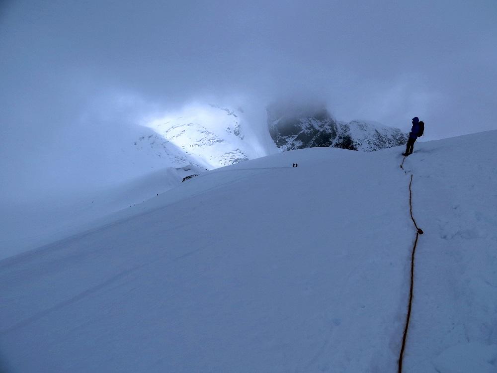 Foto: Andreas Koller / Wander Tour / Vom Kleinen Matterhorn auf das Breithorn Westgipfel (4164 m) / Abstieg vom Breithorn / 23.09.2015 01:47:12