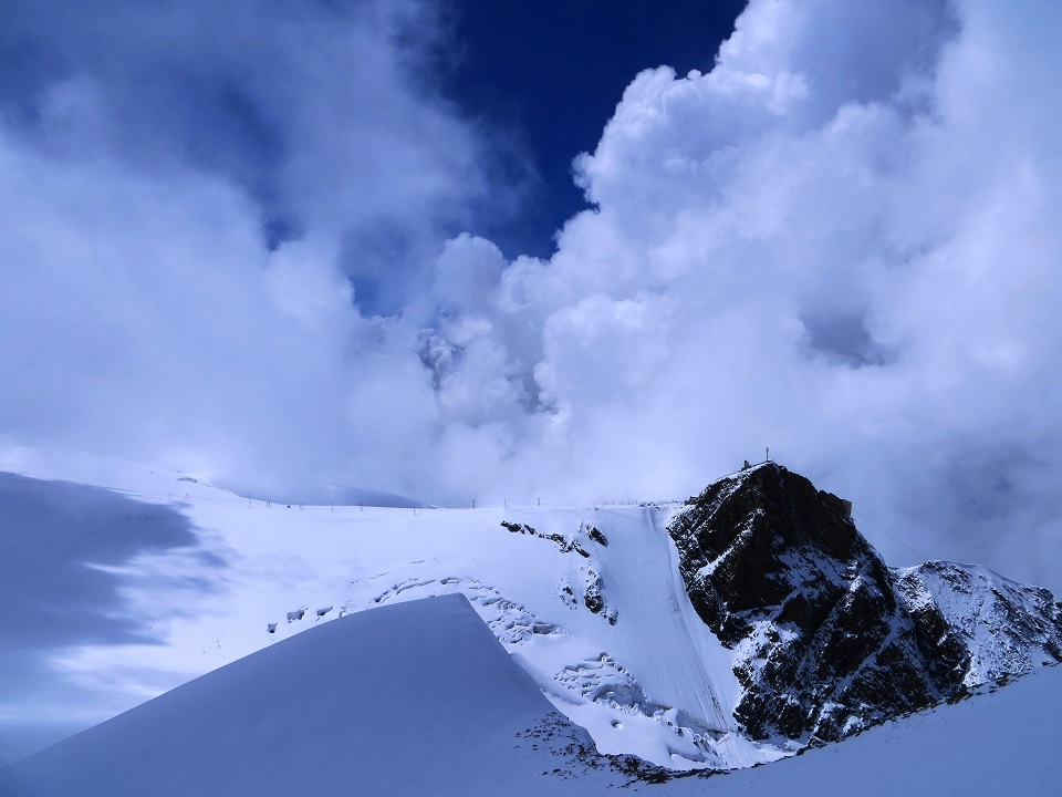Foto: Andreas Koller / Wander Tour / Vom Kleinen Matterhorn auf das Breithorn Westgipfel (4164 m) / 23.09.2015 01:46:03