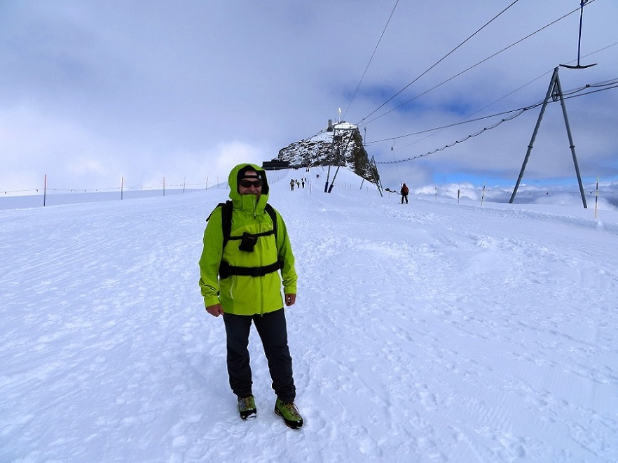 Foto: Andreas Koller / Wander Tour / Breithorn - Mittelgipfel (4159m) / Ausgangspunkt Kleines Matterhorn / 23.09.2015 01:55:15