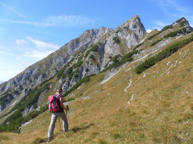 Foto: Wolfgang Lauschensky / Wander Tour / Lattenspitze - Pfeiser Spitze / südseitige Querung des Wildangers / 01.10.2013 15:14:37