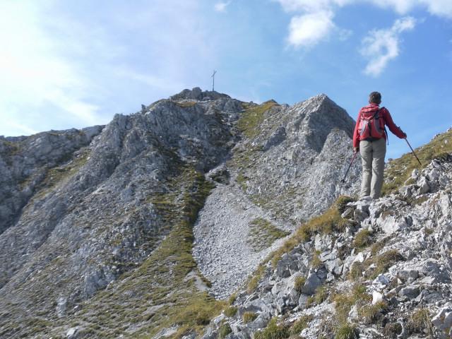 Foto: Wolfgang Lauschensky / Wander Tour / Lattenspitze - Pfeiser Spitze / Gipfelaufbau / 01.10.2013 15:13:44