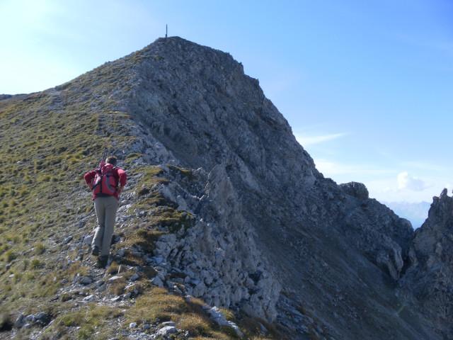Foto: Wolfgang Lauschensky / Wander Tour / Lattenspitze - Pfeiser Spitze / Ostgrat des Thaurer Jochkopfs / 01.10.2013 15:10:50