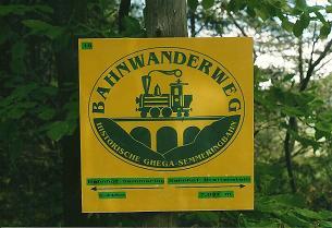 Foto: Wolfgang Dröthandl / Wander Tour / Ghega - Bahnwanderweg vom Semmering nach Gloggnitz  / Hier weiß man immer genau, wie weit man bereits gegangen ist bzw. wie weit es noch ist...! / 07.03.2011 16:41:57