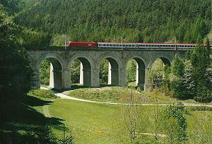 Foto: Wolfgang Dröthandl / Wander Tour / Ghega - Bahnwanderweg vom Semmering nach Gloggnitz  / Adlitzgraben - Viadukt / 07.03.2011 16:39:30