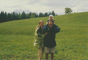 Foto: Wolfgang Dröthandl / Wandertour / Gschwendtalm und Brunnbacher Gamsstein / Gschwendtalm gegen Größtenberg; alle Fotos vom 22.5. 2005 / 07.03.2011 16:32:08