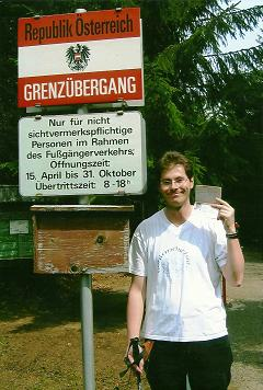 Foto: Wolfgang Dröthandl / Wander Tour / Plöckenstein - Auf Adalbert Stifters Spuren / Am Fußgängergrenzübergang Holzschlag / 28.03.2011 13:46:56