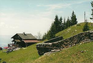 Foto: Wolfgang Dröthandl / Wandertour / Von Mürzzuschlag über die Kampalpe auf den Semmering / Scheibenhütte mit Großer Scheibe, alle Fotos vom 29. 5. 2005 / 07.03.2011 16:57:02