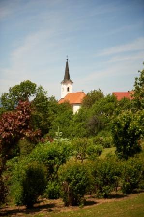Foto: Kappel Josef / Wandertour / Auf den Spuren von König Corvinus I. und Ritter Baumkircher / Kirche Oberkohlstätten / 19.07.2012 19:57:15