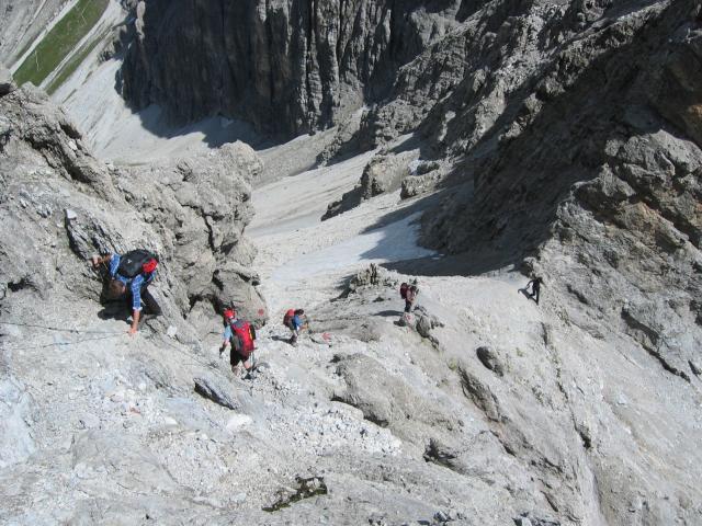 Foto: pepi4813 / Wander Tour / Vom Gschnitztal auf den Gschnitzer Tribulaun / Blick zur Schneetalscharte im Abstieg / 18.07.2009 19:20:50