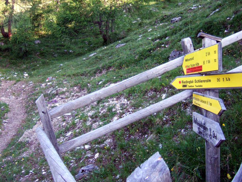 Foto: Ingo Gräber / Wander Tour / Aus dem Riedingtal im Lungau auf das Mosermandl (2680 m) / Abzweig kurz vor der Jakoberalm / 05.10.2013 17:54:51