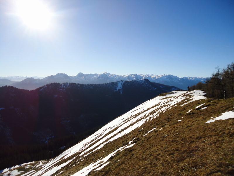 Foto: Günter Siegl / Wander Tour / Von der Postalm auf den Labenberg / Einberg, dahinter Tennengebirge / 28.12.2015 19:33:03