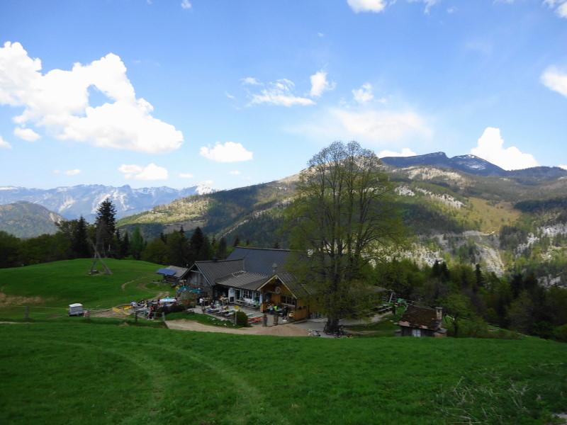 Foto: Günter Siegl / Wander Tour / Perneck - Kolowratshöhe / Hoisnrad - sehr gastrreundliche Wirtsleut'! / 15.05.2016 20:17:51