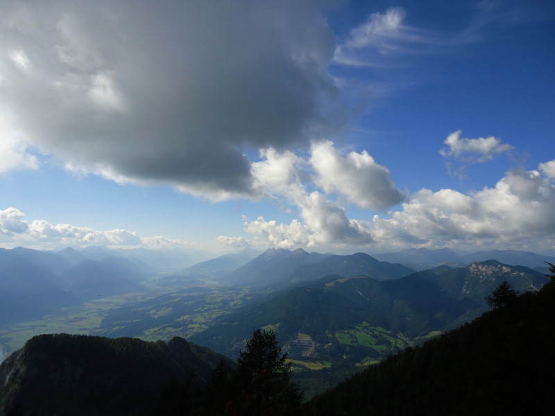 Foto: Günter Siegl / Wandertour / Dobratsch - Villacher Hausberg (2166m) / Spitzegel / 24.10.2016 21:44:49