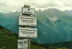 Foto: Wolfgang Dröthandl / Wander Tour / Von Elbigenalp auf die Hermann-von-Barth-Hütte / Hier weiß man, wo es langgeht... (vor der Hütte) / 01.02.2011 12:44:21