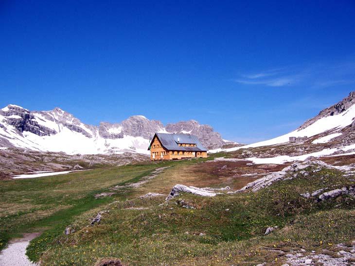 Foto: vince 51 / Wander Tour / Von Lech auf die Hochlichtspitze / Göppinger Hütte / 17.07.2009 23:38:13