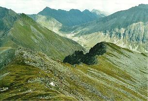 Foto: Wolfgang Dröthandl / Wandertour / Vom Etrachsee auf das Bauleiteck / Blick vom Gipfel auf den Kamm nach Osten (Aufstiegsroute) / 01.02.2011 11:39:35