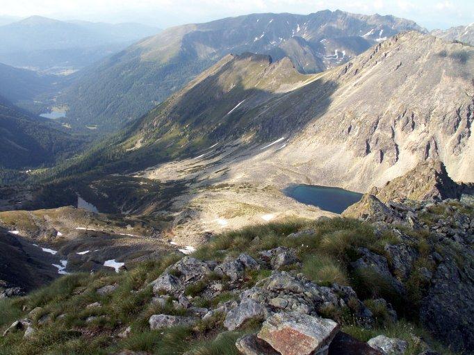Foto: fili67 / Wandertour / Vom Etrachsee auf das Bauleiteck / Knapp vor dem Gipfel der Blick Richtung Wildenkar Seen / 01.10.2009 19:58:15