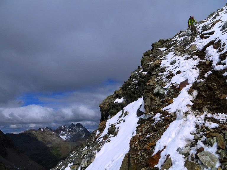 Foto: Andreas Koller / Wander Tour / Über die Wiesbadner Hütte auf den Ochsenkopf (3057 m) / Abstieg vom Ochsenkopf / 08.11.2017 02:09:58