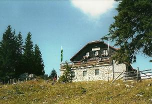 Foto: Wolfgang Dröthandl / Wander Tour / Tirolerkogel - Überschreitung / Das alte Annaberger Haus am Tirolerkogel (2015 abgetragen) / 01.02.2011 10:42:10