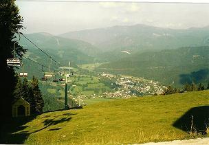 Foto: Wolfgang Dröthandl / Wander Tour / Tirolerkogel - Überschreitung / Blick von der Eiblpiste nach Türnitz, im Hintergrund Kloster-Alpe / 01.02.2011 10:40:39