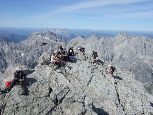 Foto: hofchri / Wander Tour / Watzmann - Überschreitung / Rastpausen am Hauptgipfel / 03.10.2009 18:11:01