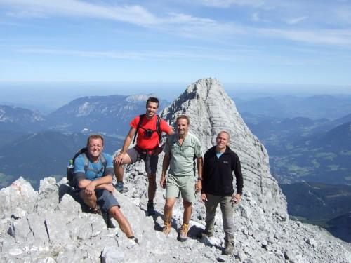 Foto: hofchri / Wander Tour / Watzmann - Überschreitung / am Südgipfel (2.712 m) angekommen / 03.10.2009 18:15:26