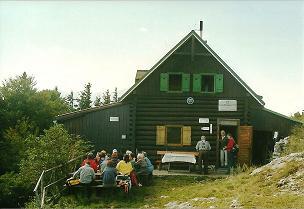 Foto: Wolfgang Dröthandl / Wander Tour / Dürre Wand - Überschreitung / Gauermannhütte auf dem Plattenstein / 31.01.2011 12:55:54