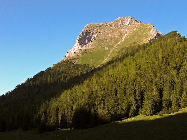 Foto: Jodeli / Wander Tour / Große Gesäusedurchquerung mit Überschreitung des Lugauer (2217m) / Lugauer Plan von unten / 14.06.2009 21:21:18