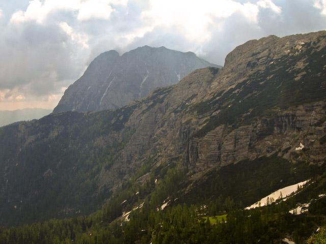 Foto: Jodeli / Wander Tour / Große Gesäusedurchquerung mit Überschreitung des Lugauer (2217m) / Blick vom Sulzkarhund zum Ziel des Nachmittages, dem Lugauer. / 14.06.2009 21:04:37