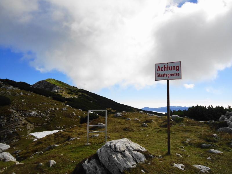 Foto: Günter Siegl / Wandertour / Von Bleiburg auf die Hochpetzen (2114m) / Staatsgrenze / 13.11.2016 19:02:01