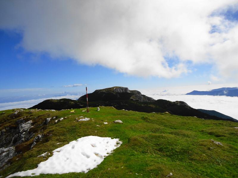 Foto: Günter Siegl / Wandertour / Von Bleiburg auf die Hochpetzen (2114m) / Gipfel Knieps / 13.11.2016 19:02:15