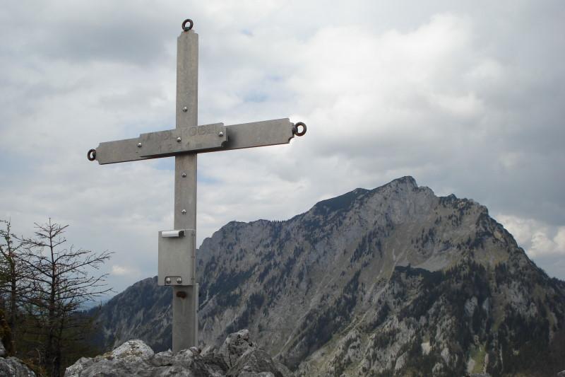 Foto: Günter Siegl / Wander Tour / Vom Traunsee auf den Hochkogel / Wandlkogel mit dem Traunstein im Hintergrund. / 30.04.2011 21:44:45