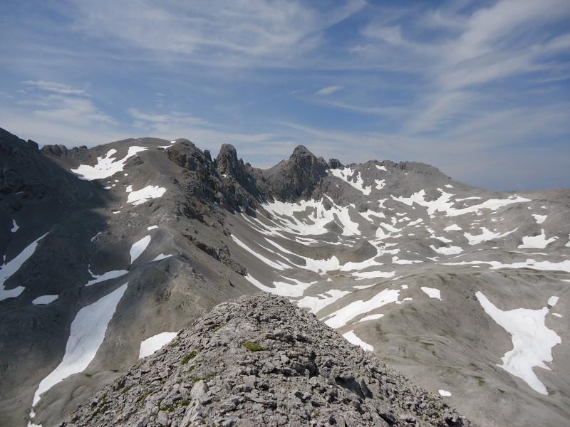 Foto: Günter Siegl / Wandertour / Durch das Edelgrieß auf den Landfriedstein / Am Kamm mit Blick auf  Ramsauer Klettersteig. / 08.07.2011 15:14:45