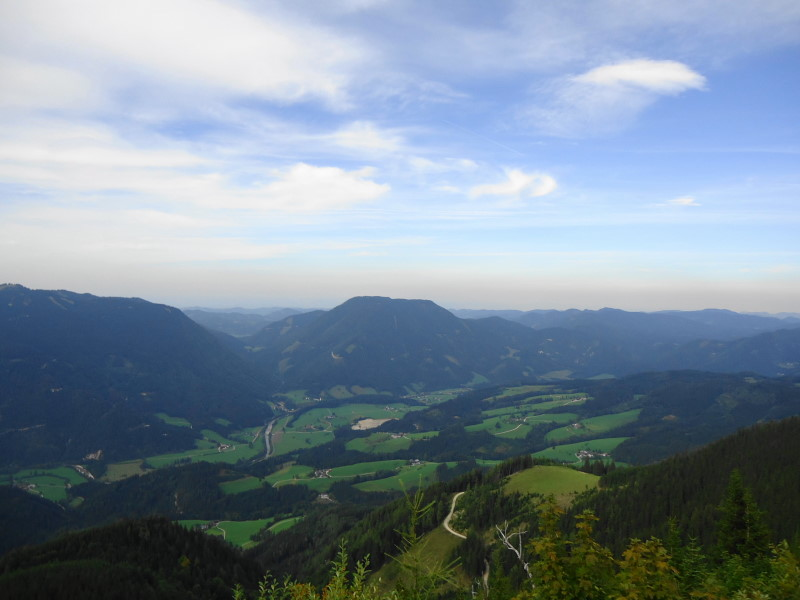 Foto: Günter Siegl / Wandertour / Von Hütte zu Hütte über den Königsberg / Friesling mittig / 13.10.2015 21:01:03