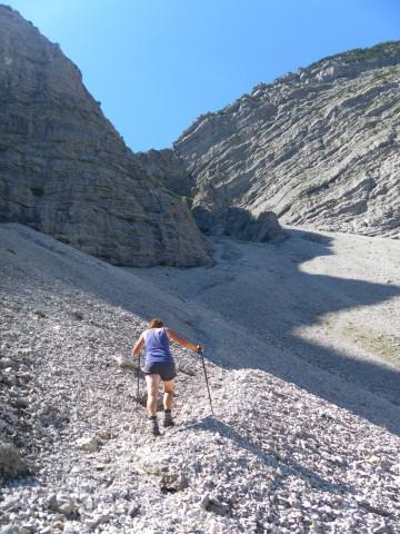 Foto: Wolfgang Lauschensky / Wander Tour / Über die Schwarzachenalm zum Sonntagshorn / einfacher Schuttkaranstieg / 15.07.2011 18:50:18