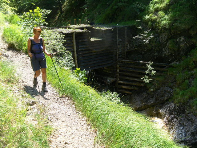 Foto: Wolfgang Lauschensky / Wander Tour / Über die Schwarzachenalm zum Sonntagshorn / Triftklause am hinteren Kraxenbach / 15.07.2011 18:47:42