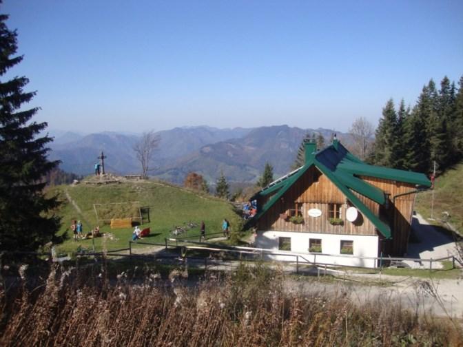 Foto: Wolfgang Dröthandl / Wander Tour / Über die Ennser Hütte auf den Almkogel / Die schmucke Ennser Hütte der Naturfreunde (1293m) / 16.10.2018 14:43:35