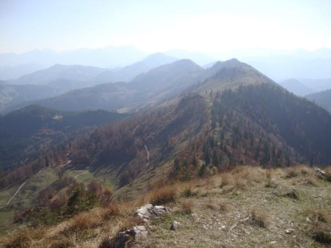 Foto: Wolfgang Dröthandl / Wander Tour / Über die Ennser Hütte auf den Almkogel / links im Hintergrund Tamischbachturm, Lugauer, Hochtor zwischen Kleinem und Großem Buchstein / 16.10.2018 14:40:42