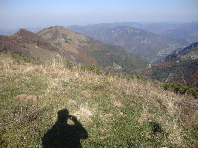 Foto: Wolfgang Dröthandl / Wander Tour / Über die Ennser Hütte auf den Almkogel / Blick Richtung Eisenwurzen im Nordosten / 16.10.2018 14:39:25
