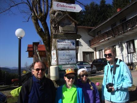 Foto: Wolfgang Dröthandl / Wandertour / Gföhlberg - zweithöchster Gipfel des Wienerwaldes / Abgang Klammhöhe / 03.04.2017 09:26:58