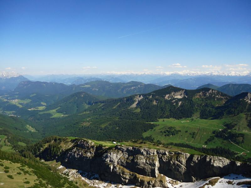 Foto: Günter Siegl / Wander Tour / Vom Ursprungpaß auf das Hintere Sonnwendjoch / Burgstein, dahinter Veitsberg und Frechjoch / 05.06.2017 22:59:07